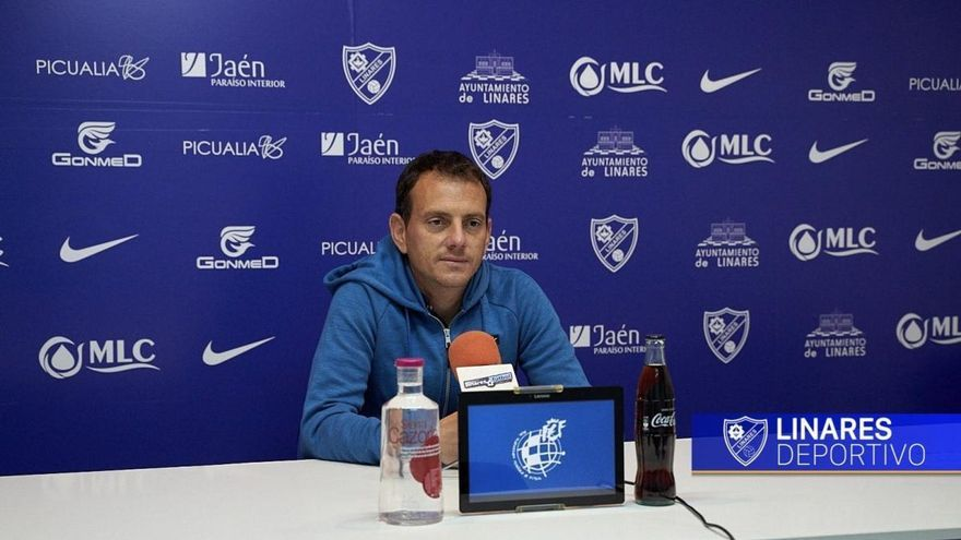 """El técnico del Linares destaca que """"el Córdoba CF está construido para el ascenso a Segunda"""""""