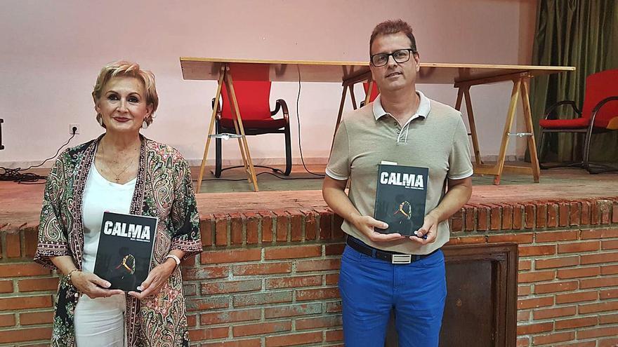 """La novela """"Calma"""" es un análisis y crítica de la sociedad actual"""