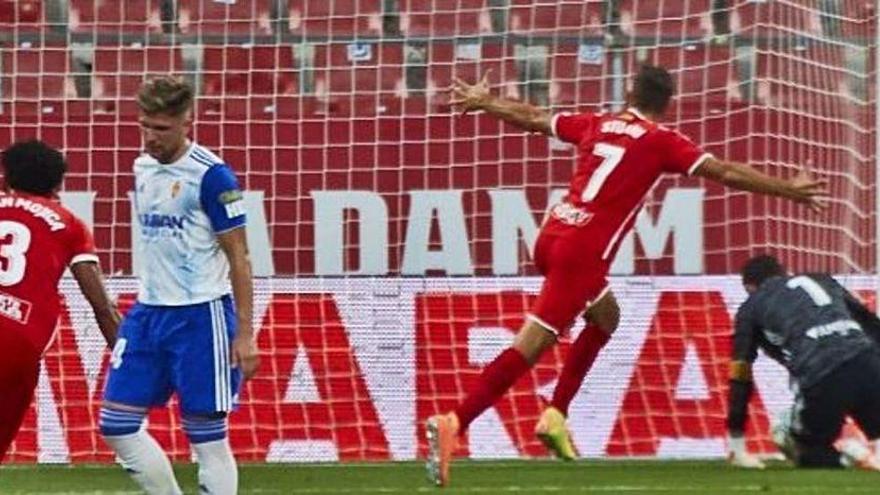 Stuani liquida al Zaragoza desde el punto de penalti