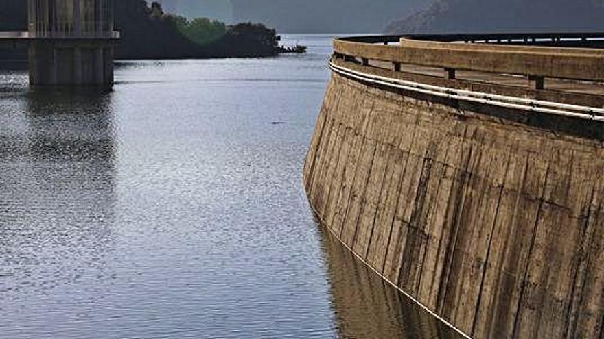 L'embassament de Susqueda acumula un 23% menys d'aigua que fa un any