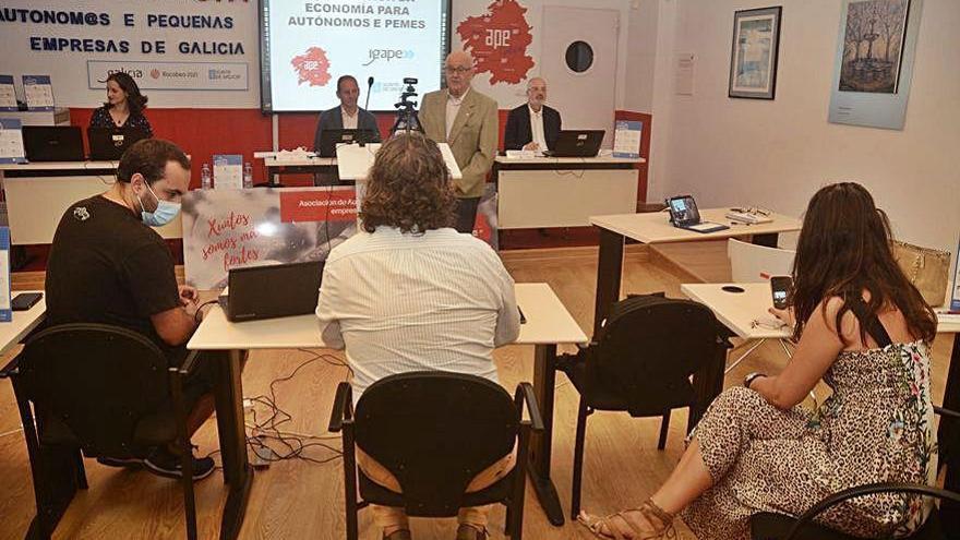 La Xunta informa de las nuevas ayudas a pymes y autónomos