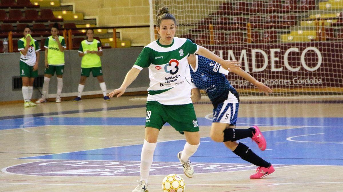 Inma Sojo, en un encuentro del Cajasur Deportivo de fútbol sala en Vista Alegre, la pasada temporada.