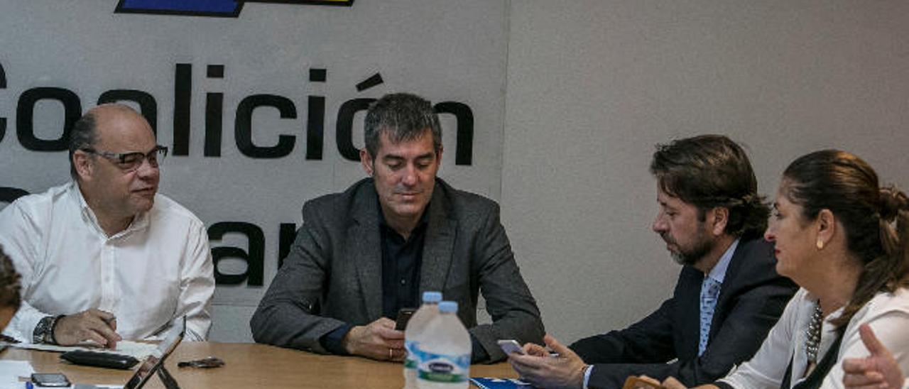 CC activa la alerta ante la amenaza en La  Laguna y la deriva del PSOE en Tenerife