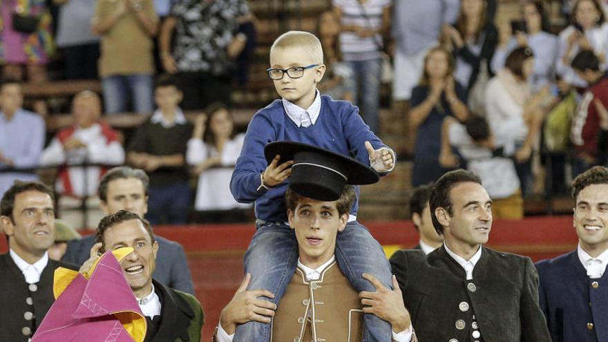 """El padre de Adrián: """"No es comparable la vida de un animal a la de una persona"""""""