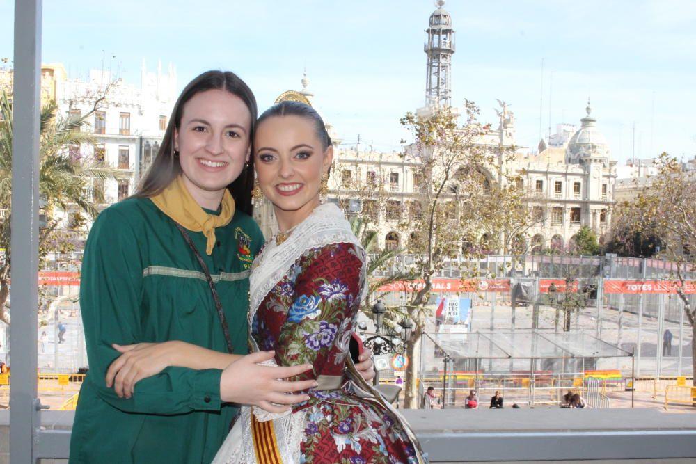 El espíritu de la corte infantil de 2008: Patricia Cobacho, ahora fallera mayor de Periodista Azzati, y Anna Duggan
