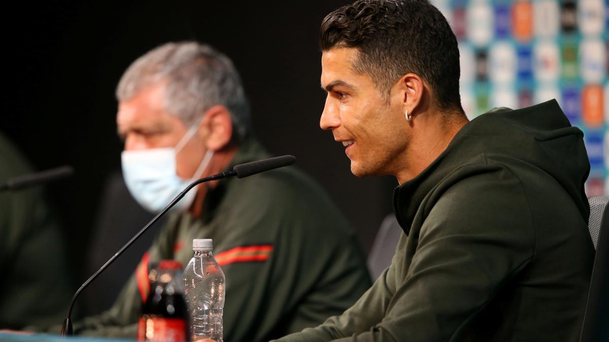 Cristiano Ronaldo i Fernando Santos en roda de premsa