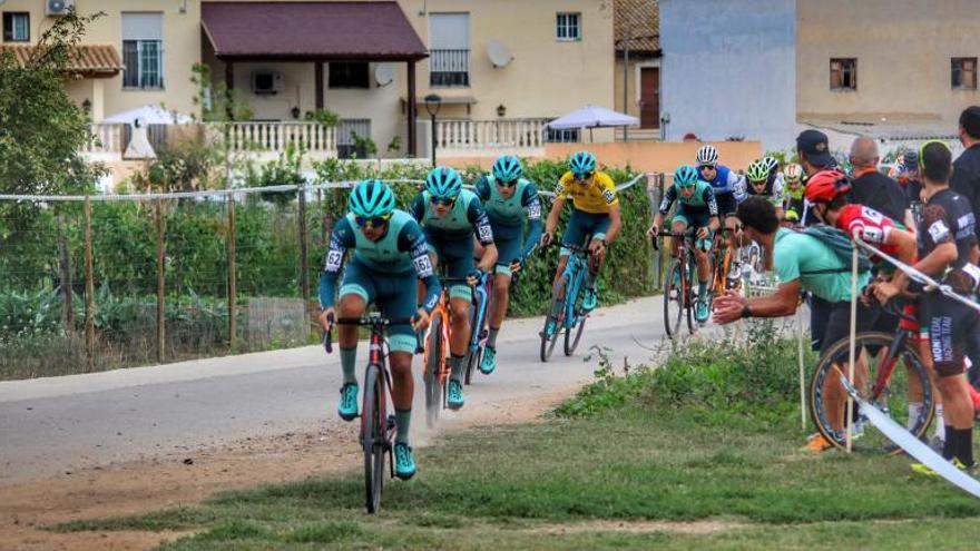 Aranda y Bonillo ganan el VIII Ciclocross de Aiacor