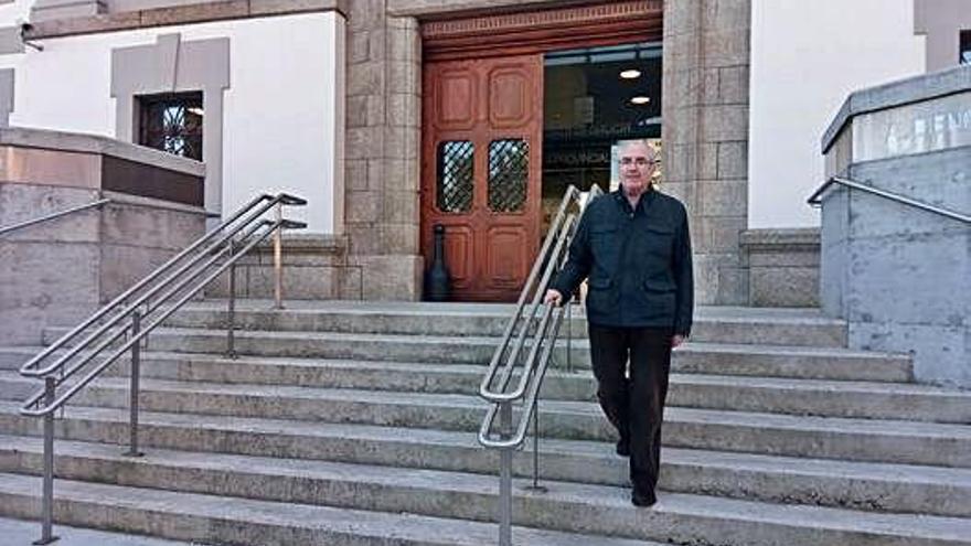 Fiscalía mantiene los cargos contra Anido, que dice ser víctima de una guerra política