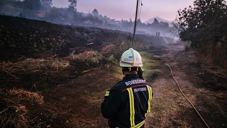 Tenerife amplía el plan de extinción de incendios hasta el mes de noviembre