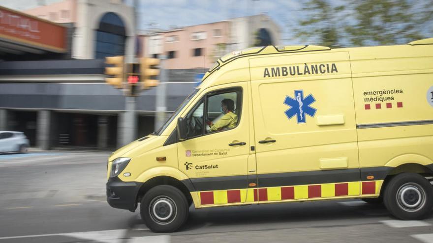 Dues persones ferides a Manresa en el xoc d'un bus urbà i una furgoneta