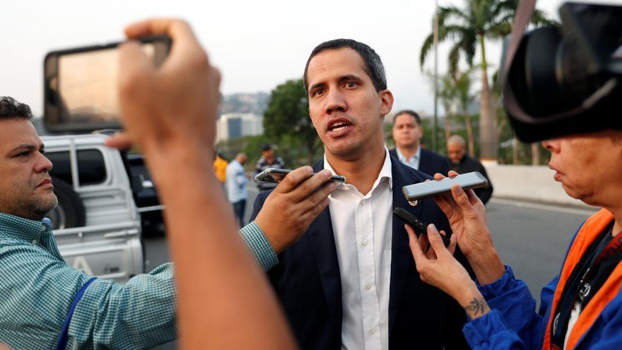 Un grupo armado libera a Leopoldo López en Caracas