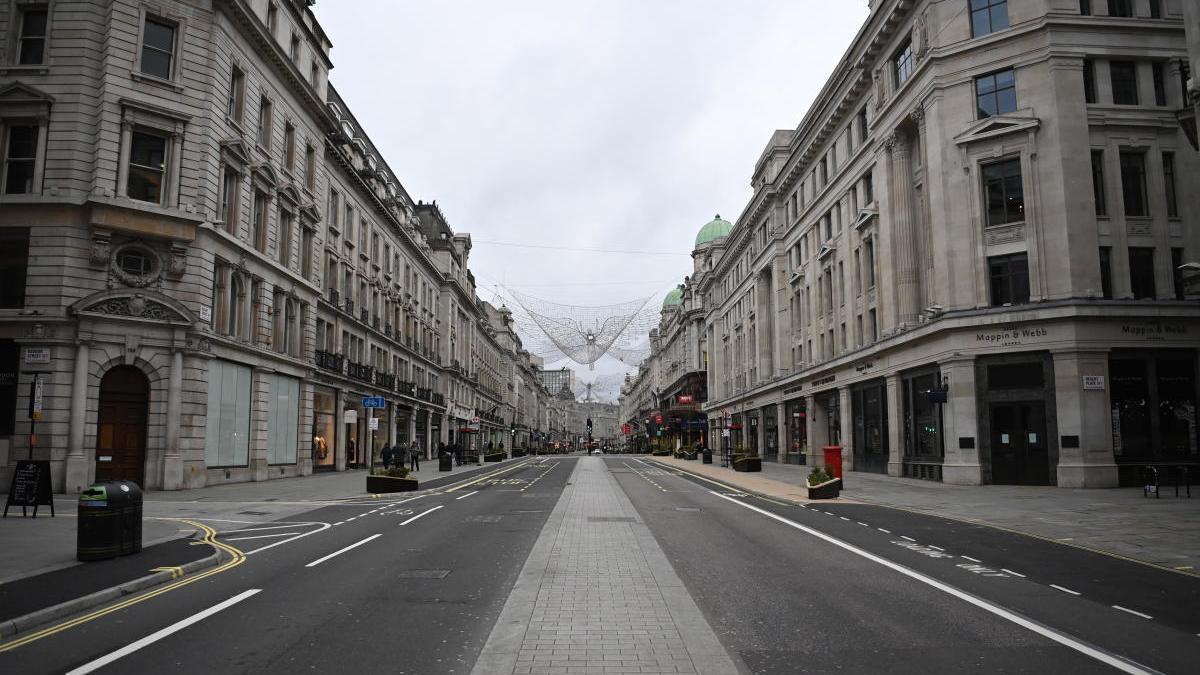 Regent's Street, en Londres, sin viandantes ni vehículos