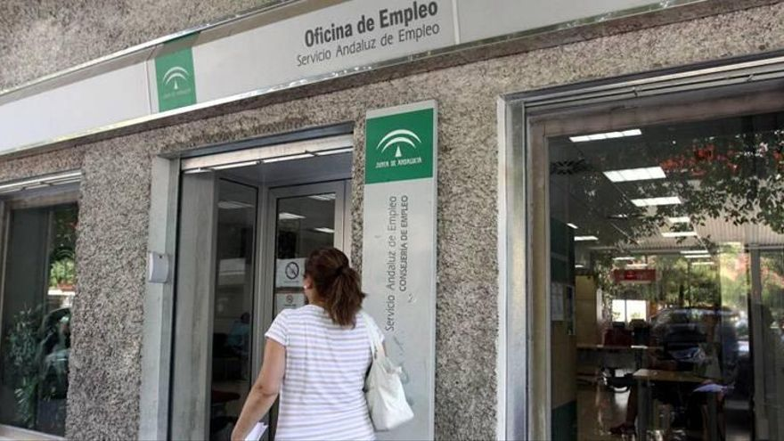 Los andaluces sitúan el paro como el mayor problema en la comunidad