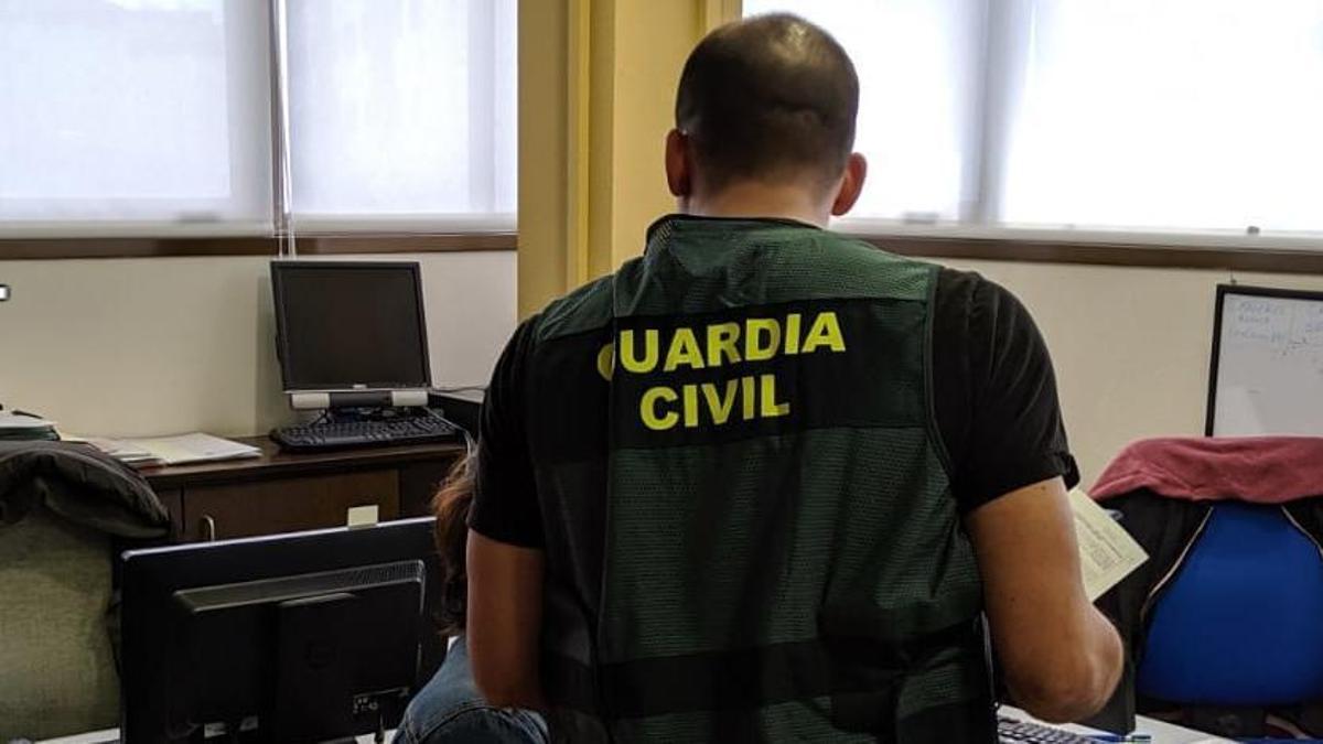 Detenidas dos personas por estafas en Oleiros y Vimianzo
