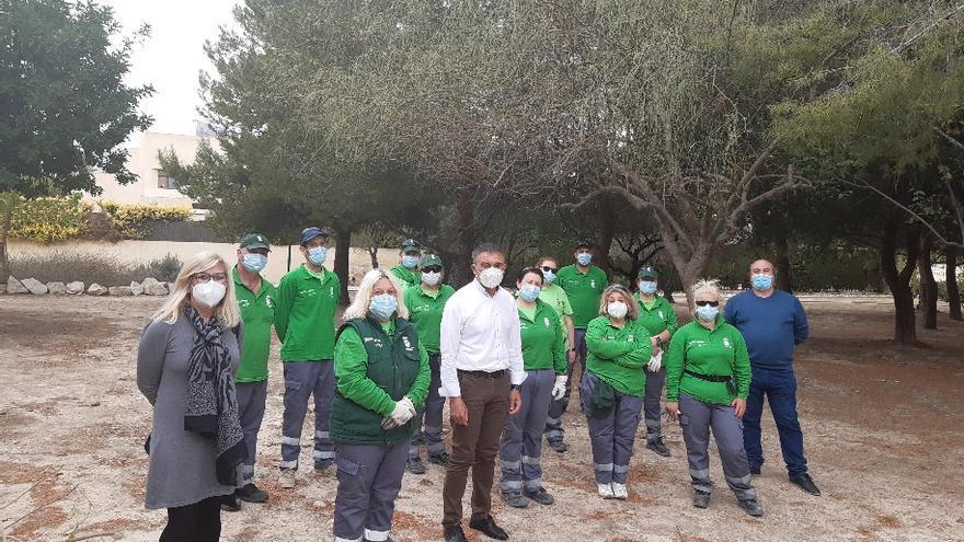 El taller de empleo de Mutxamel permitirá mejoras las zonas verdes y el cementerio
