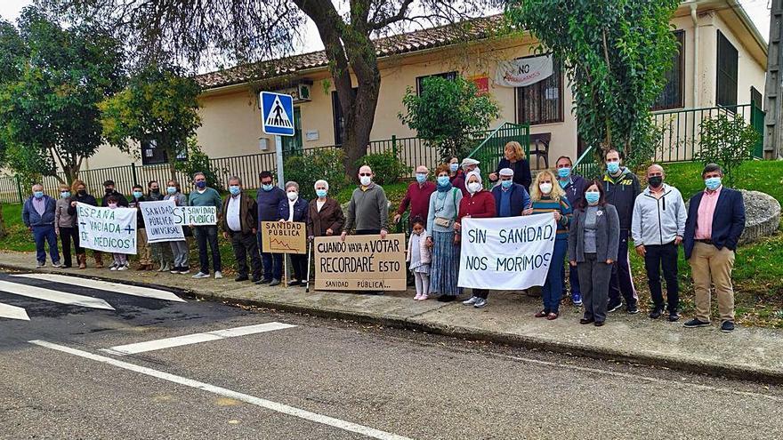 Décima protesta en Pozoantiguo por la sanidad rural
