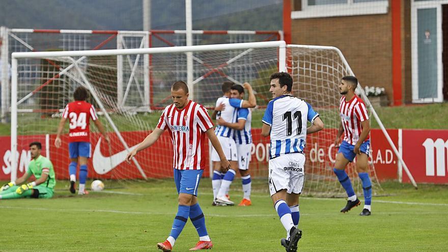 La crónica del Sporting 0-2 Real Sociedad B: Un Sporting ineficaz
