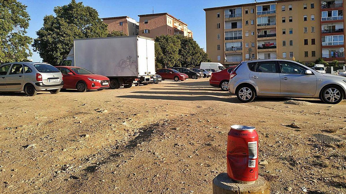 Els veïns del barri del Poblenou de Figueres demanen una «campanya cívica»