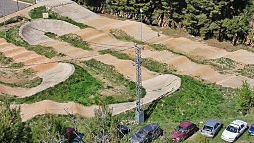 Barajan ceder a las autoescuelas de Alcoy la pista de BMX para prácticas de moto