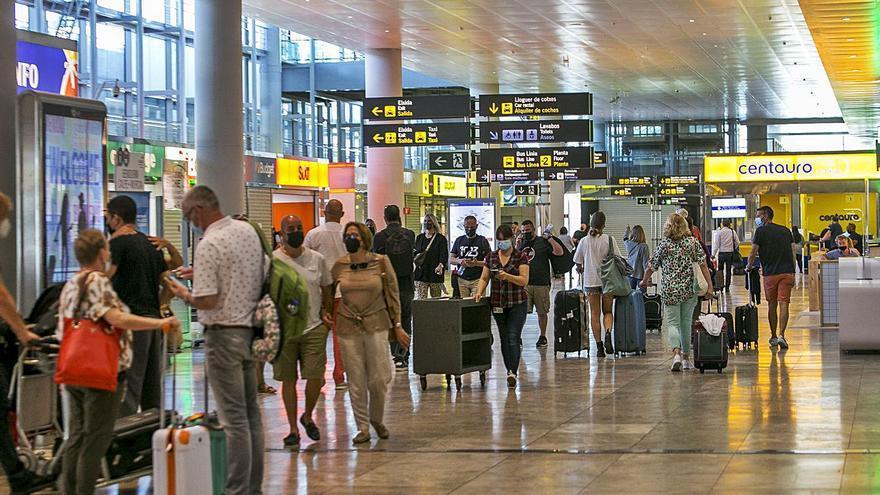 Los aeropuertos valencianos, rumbo a la vieja normalidad