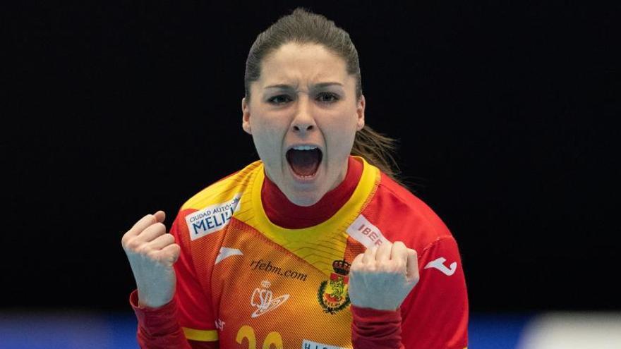 Soledad López celebra un gol en el España-Montenegro.