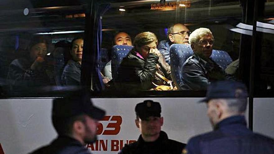 Aterra a Barajas l'avió que havia perdut part del tren d'aterratge