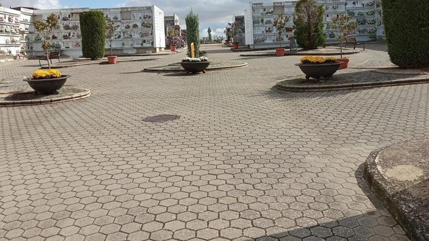 El cementerio municipal de Mérida pasa al horario de invierno