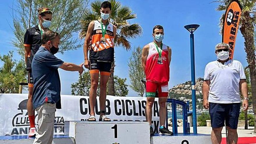 Juan y Villalonga ganan el Memorial Lorenzo Avilés