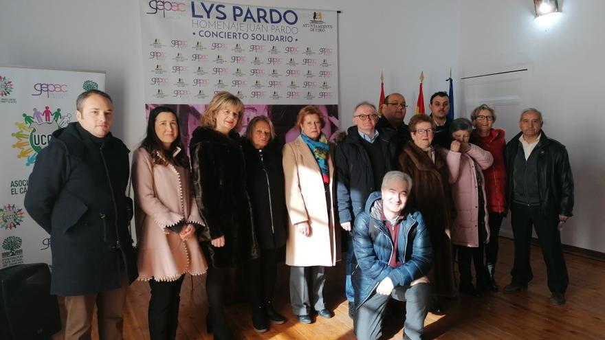 Unidos contra el Cáncer de Toro realiza dos donaciones para investigación y la asociación Pyfano