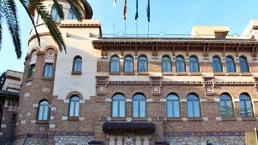 Cuatro nuevas plazas de catedrático, 8 de profesor titular y 2 de contratado doctor