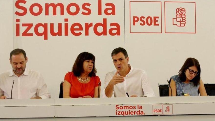 El PSOE Federal advierte a Díaz de que debe acatar la apuesta plurinacional