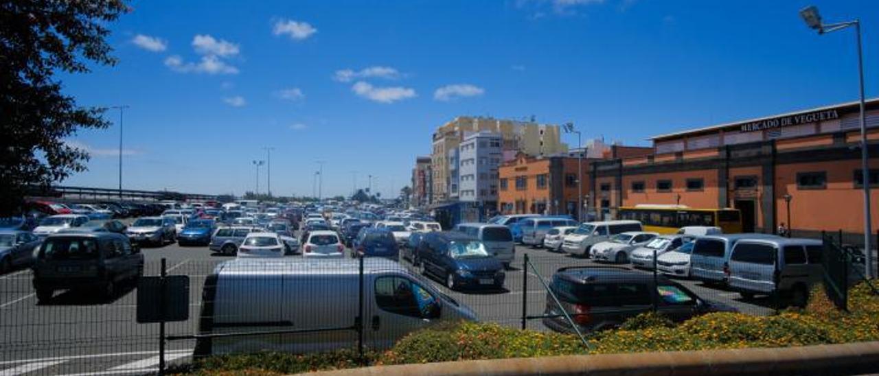 Vista del aparcamiento del mercado de Vegueta, al cual será ampliado con este proyecto.
