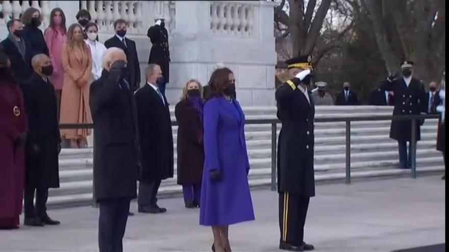 Biden rinde homenaje en Arlington al Soldado Desconocido