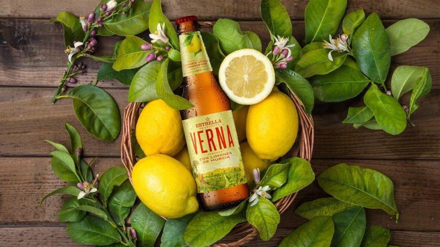 Verna, la cerveza con limones murcianos de Estrella Levante