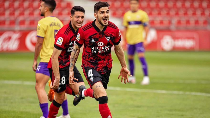 El Sporting solicita al Sevilla la cesión de Berrocal