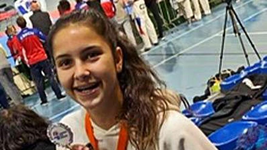 Medalla de bronce júnior de Helena García en el Open de Holanda