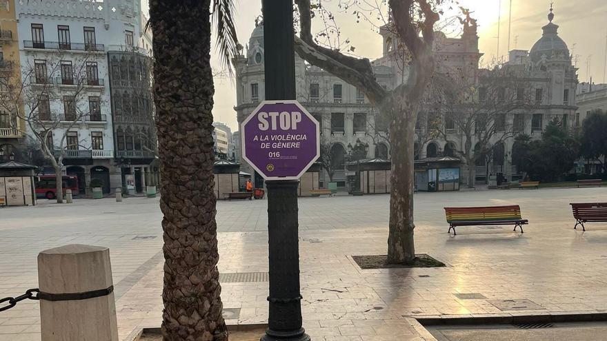 STOP a la violencia de género, en las calles de València