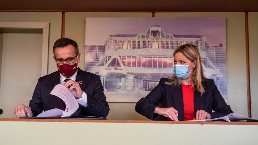 PSOE y Cs firman el acuerdo 'Gobierno de la dignidad' antes del debate en Murcia