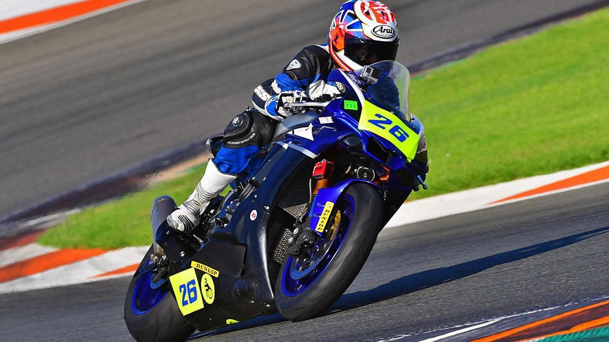 Julio Miranda Ramírez, sobre la Yamaha R1 2019, el pasado año en el Campeonato de España Handy-ESBK. | | LP/DLP