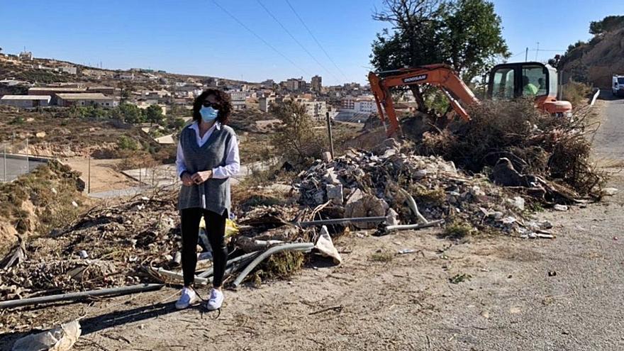 Limpieza de vertidos ilegales en Crevillent