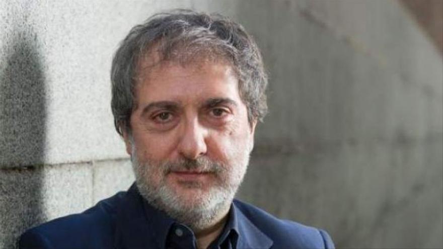 Javier Olivares prepara su propia 'The Crown' sobre el rey Juan Carlos I