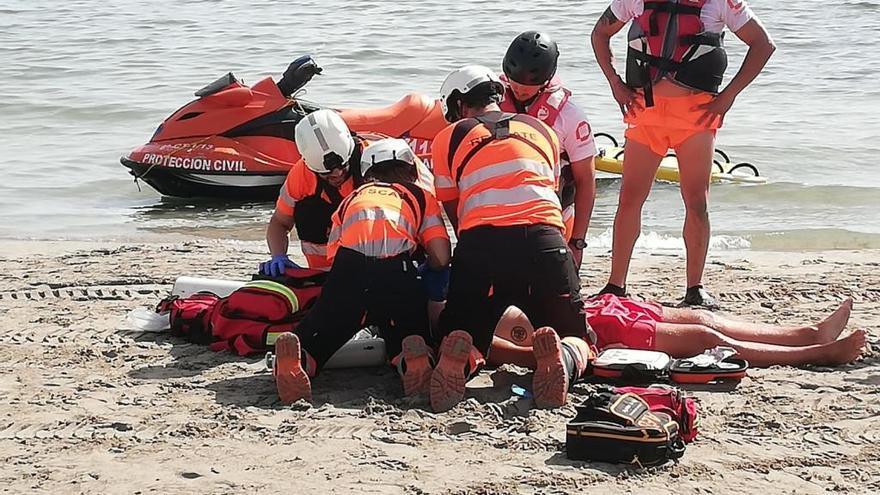 Agreden a un socorrista en una playa de La Manga