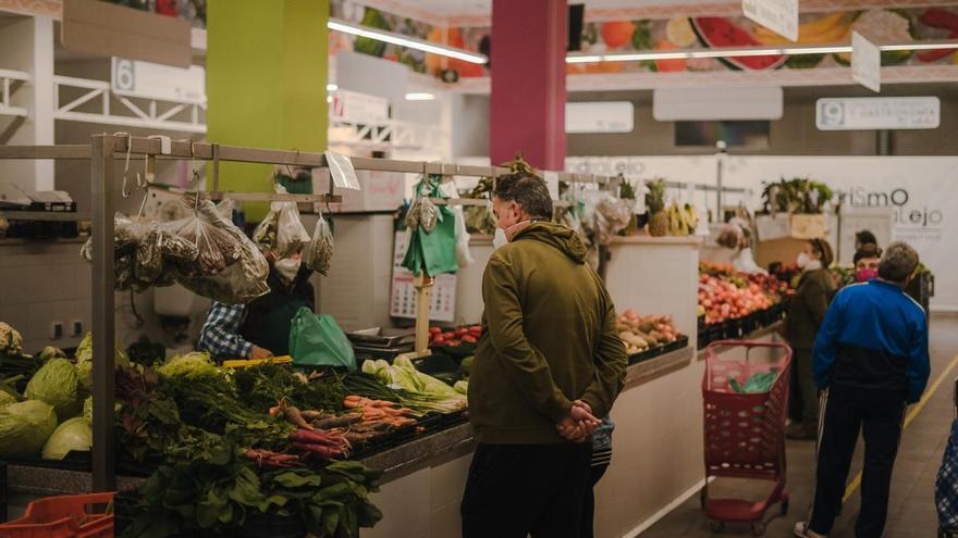Desayunos gratis, vino y cavas para fomentar las compras en el mercado Las Mercedes