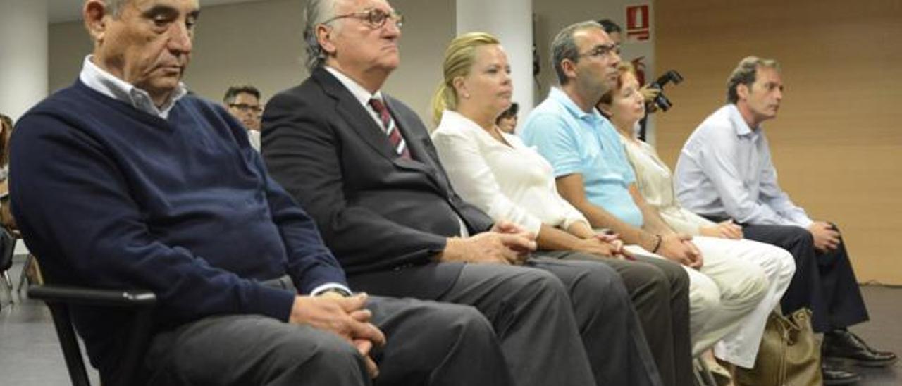 Dimas Martín (izqda.), Francisco Rodríguez Batllori, Luisa Blanco, José Miguel Rodríguez, Plácida Guerra y Rafael Elorrieta
