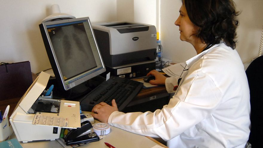 La pandemia multiplica por cinco las consultas de telemedicina en Primaria