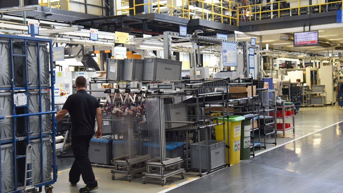 La planta de Montañana de BSH Electrodomésticos, la segunda empresa que más factura de Aragón.