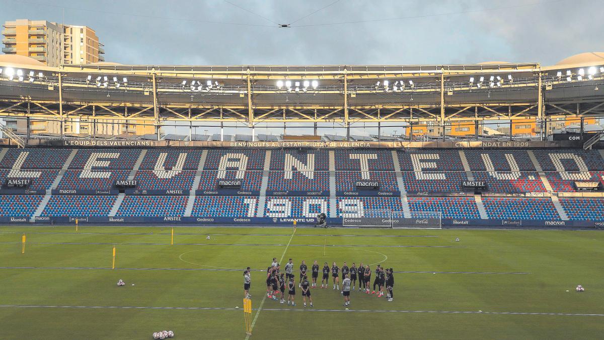 La plantilla se conjura para dar una estocada al todopoderoso Olympique de Lyon.