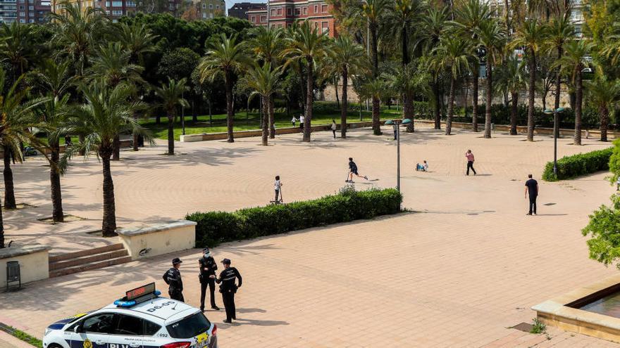 Los niños vuelven a llenar las calles de València