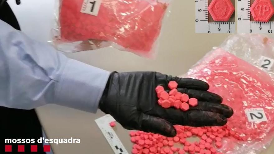 Condecoren dos mossos de la Seu d'Urgell per interceptar 2.104 pastilles d'èxtasi en un autobús