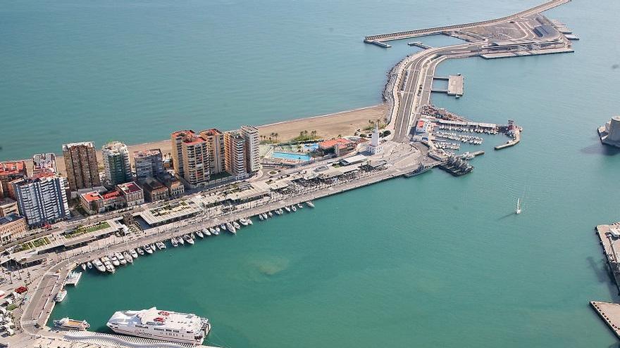 """La CEA pide que """"no se demore mucho más"""" la tramitación del rascacielos del Puerto"""